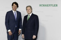 Klaus Rosenfeld, CEO Schaeffler AG and Georg F. W. Schaeffler, Chairman of the Supervisory Board of Schaeffler AG, at the Annual General Meeting of Schaeffler AG (from left). © 2018 Schaeffler AG
